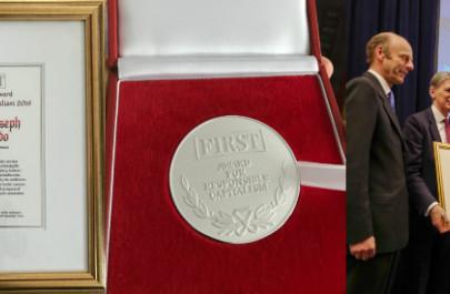 Мерилл Дж. Фернандо удостоен награды «FIRST. За Ответственный Капитализм» за улучшение условий жизни обездоленных детей и общин